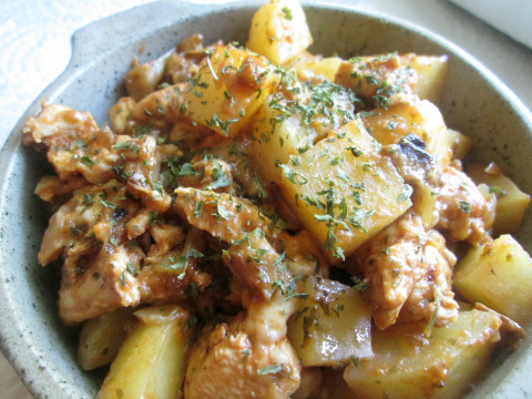 Garlic Chicken and Potatoes Serving