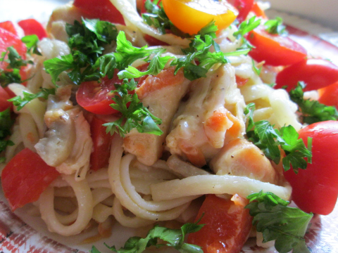 Easy Chicken Spaghetti with Tomatoes