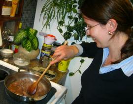 Monika Fraczek sauteing chicken livers